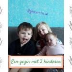 Een gezin met drie kinderen